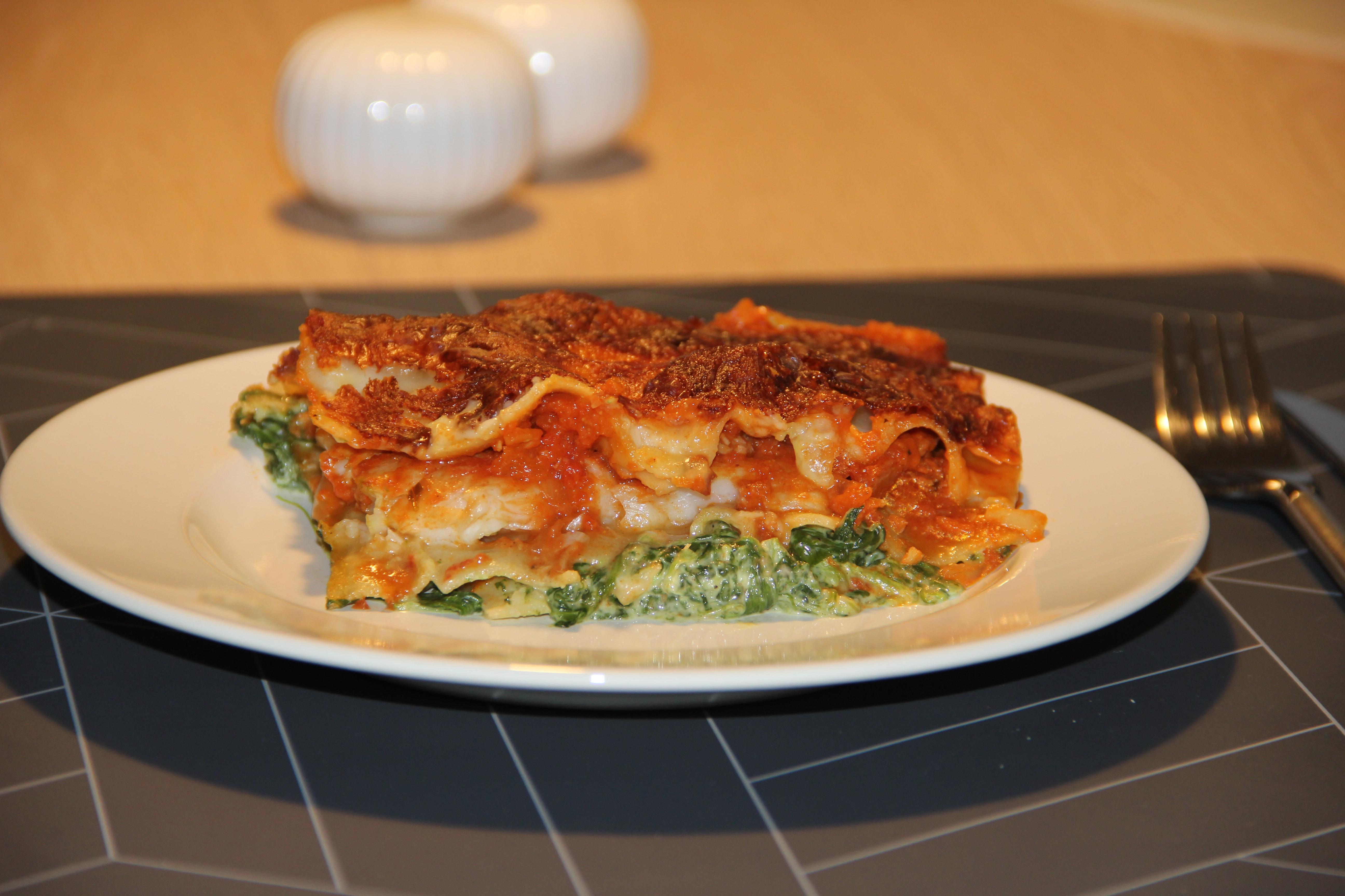 tallerken med fiskelasagne
