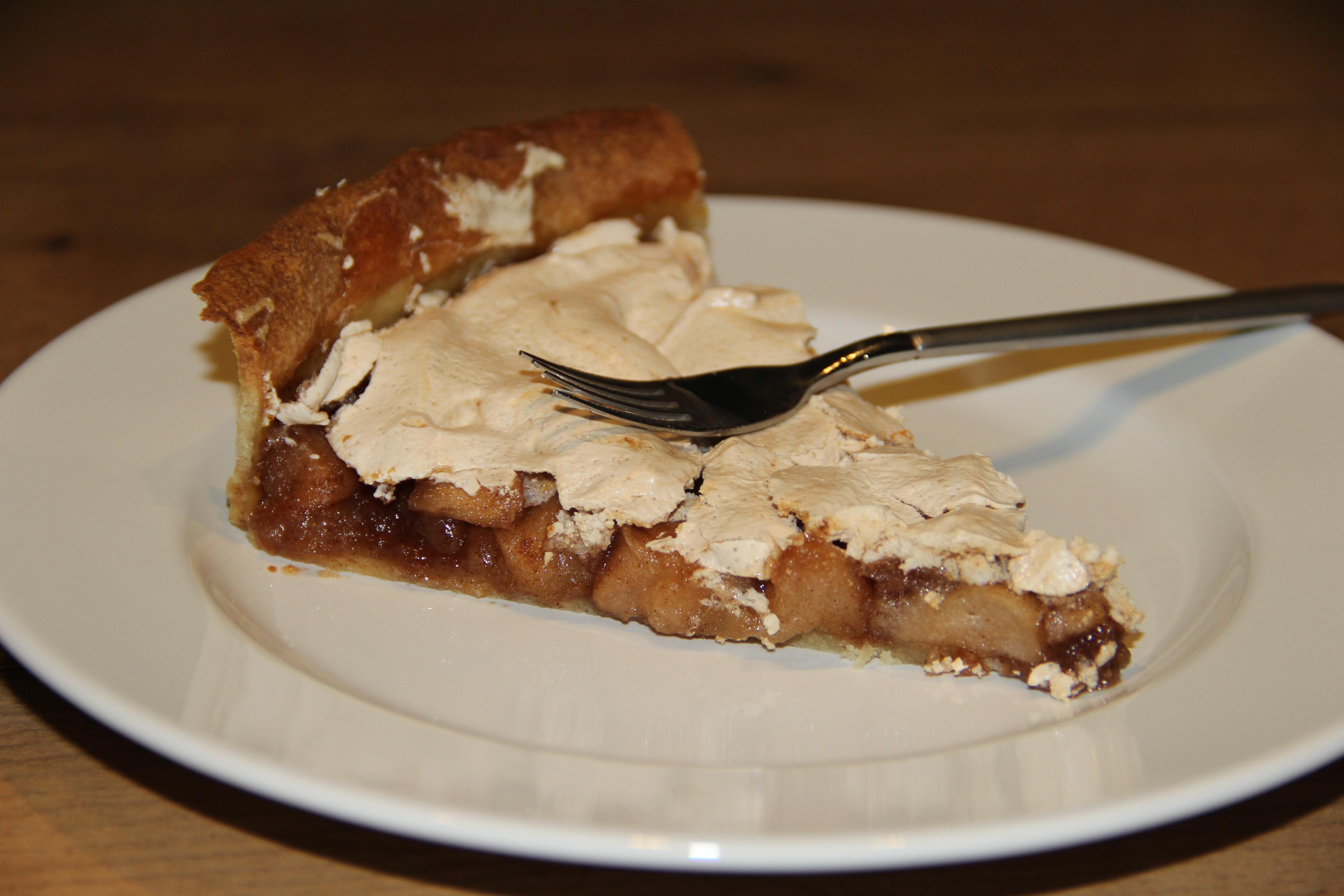æbletærte med marengs