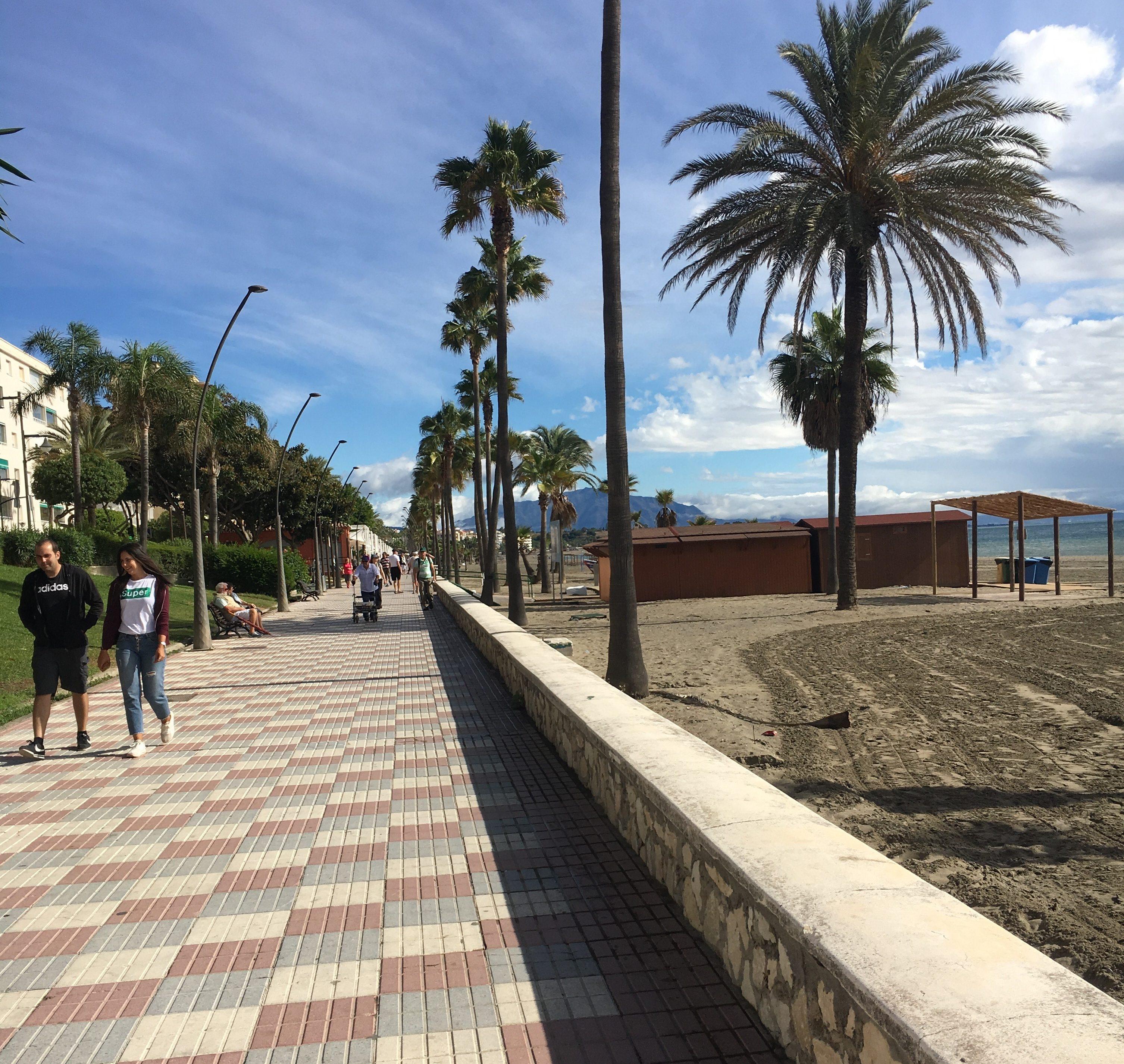 estepona strand promenade
