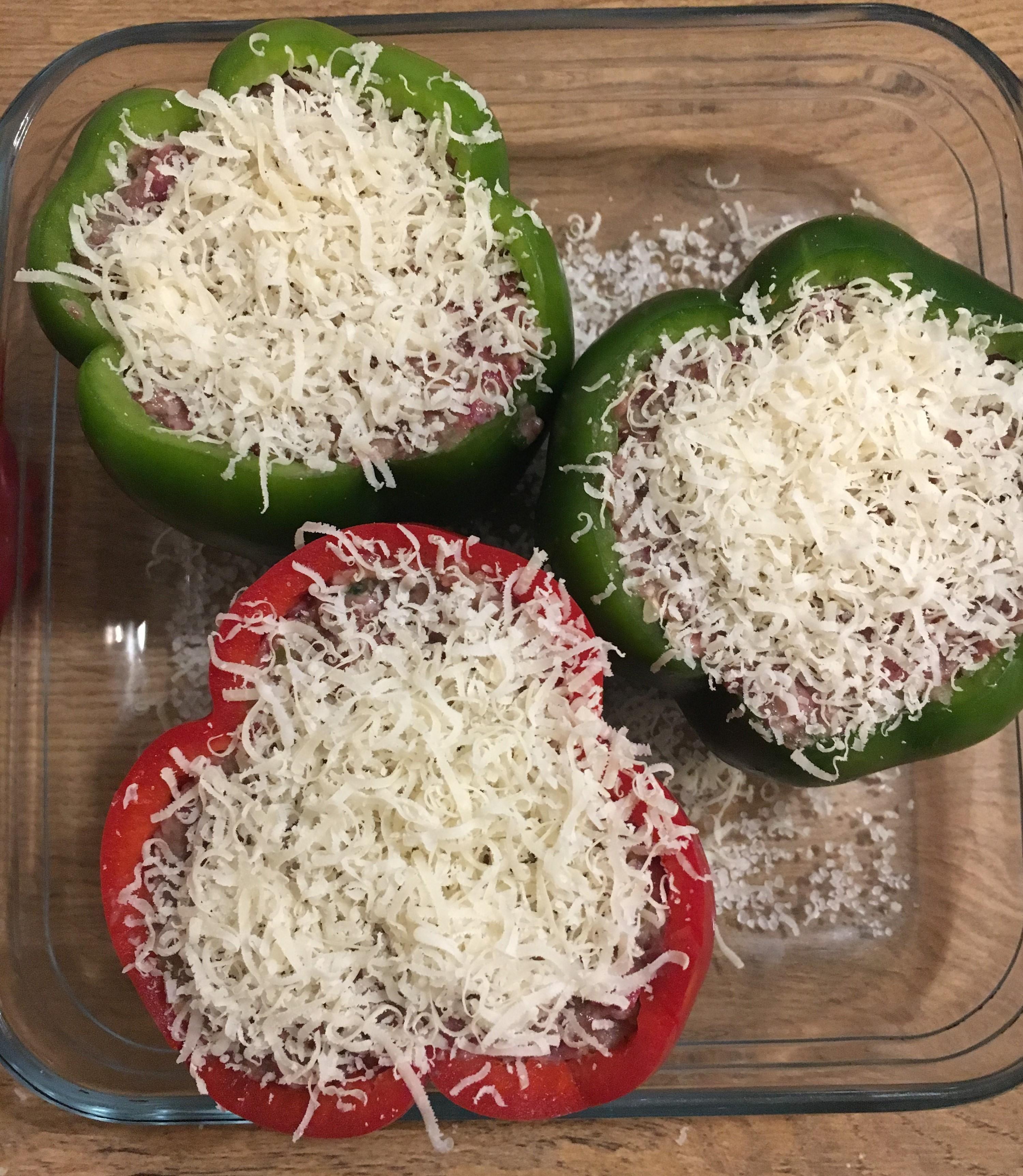 fyldte peberfrugter med parmesanost
