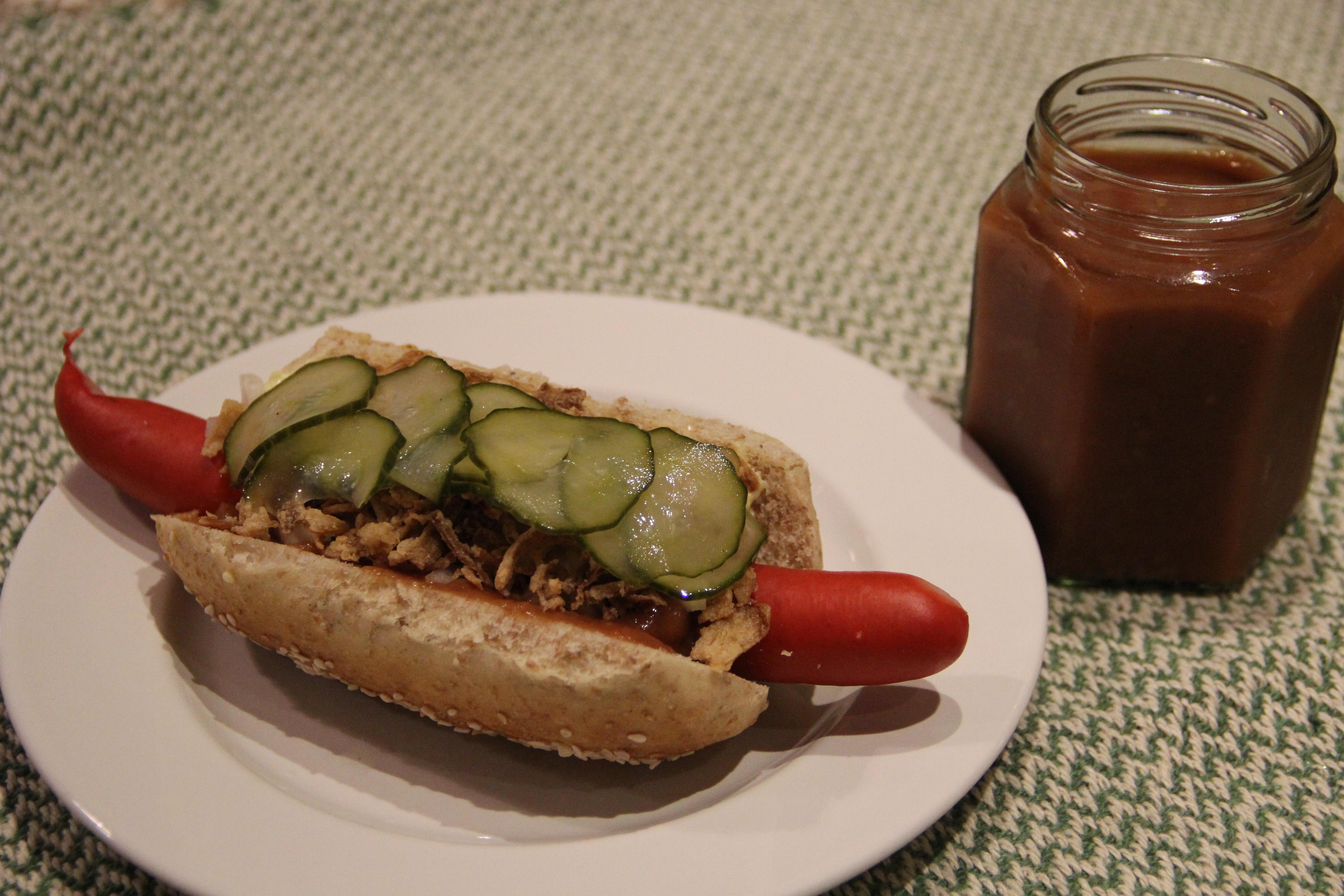ketchup og hotdog