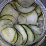 agurkesalat i glas