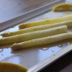 smørdampede hvide asparges med brunet smør
