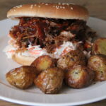 Pulled pork burger med timiankartofler
